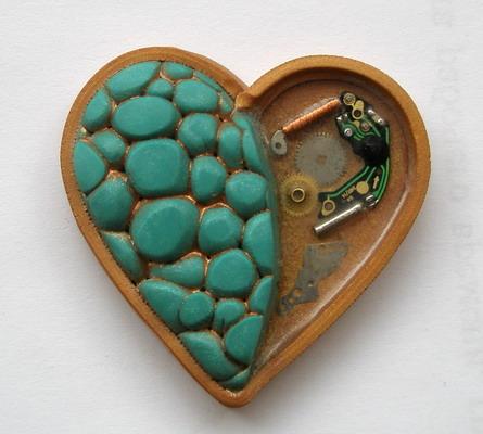 Медальон из пластилина